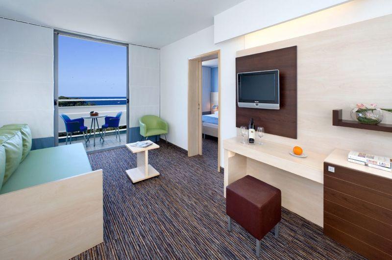 Valamar-DIamant-Hotel-suite