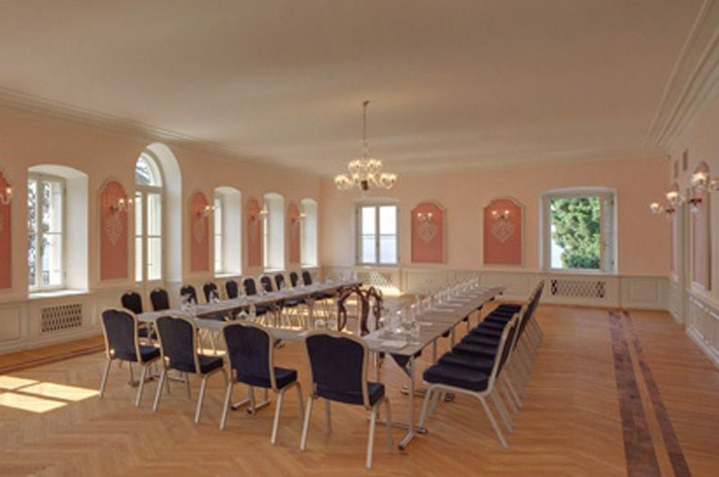 Villa-Polesini-Meeting-Room-1