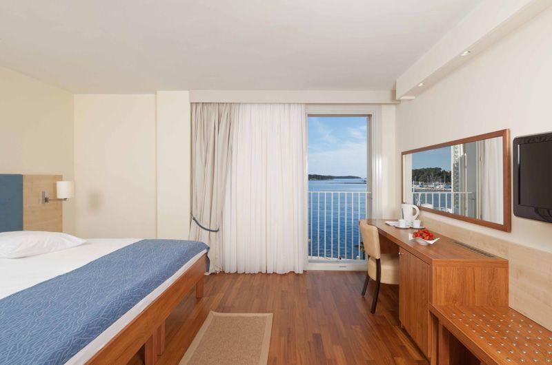 4Valamar-Riviera-Hotel-Superior-Suite-2