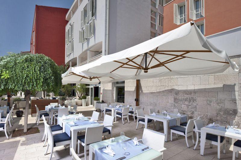 Valamar-Riviera-Hotel-Terrace