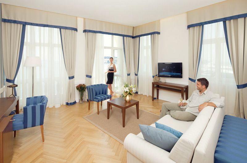 Valamar-Villa-Parentino-Suite