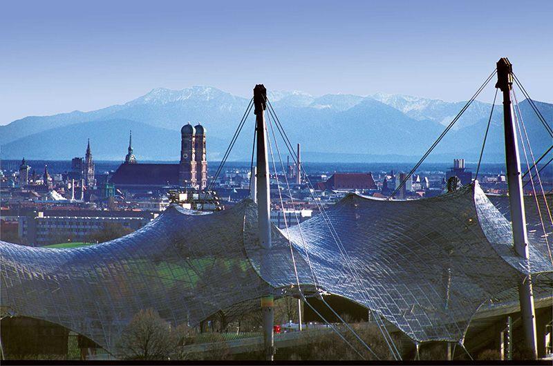web-Nr-0951-Blick-ber-das-Olympiazeltdach---H-Gebhardt