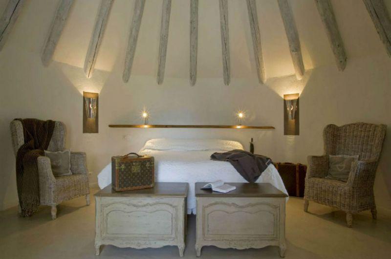 chambre-cabanecdecluxe-beige-auberge-cavaliere-du-pont-des-bannes-camargue