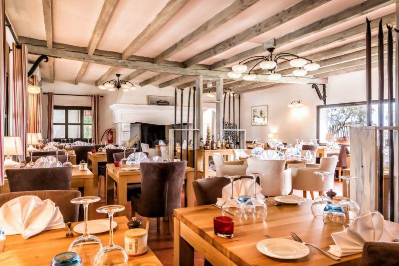 restaurant-le-pont-des-bannes-camargue-auberge-cavaliere-du-pont-des-bannes-21
