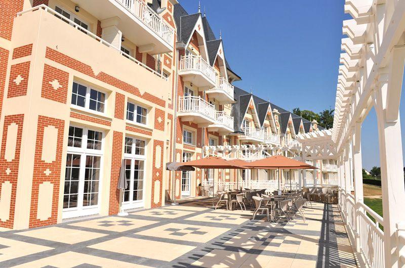 Terrasse-Pergola2BO-Resort