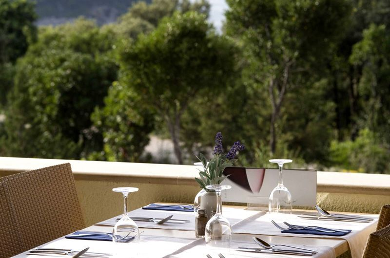 Argosy-Hotel-Terrace